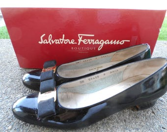 Vintage 1990's SALVATORE FERRAGAMO Black Patent Leather Pumps* Size 8 AAAA.  1 inch Block Heels. Made in Italy. Narrow Shoes. Elegant.