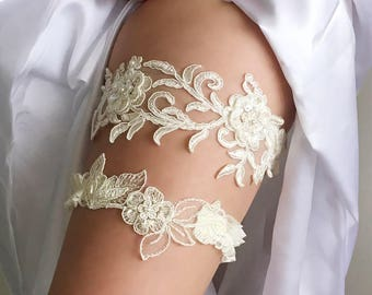 Lace garter set - wedding garter set - ivory flower lace garter set - Chelsy bridal garter set