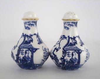 Set of 2, Royal Crown Derby England Blue Mikado Bone China Pepper & Salt Shakers, Vintage Tableware