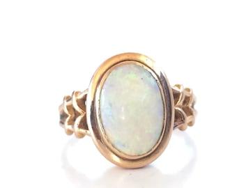 SALE | Vintage Opal Ring | Yellow Gold | 14k Bezel Set | Size 6 | Item 82916