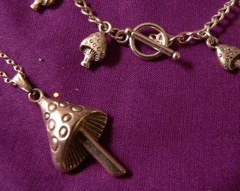 Toadstool Pendant and Bracelet Set