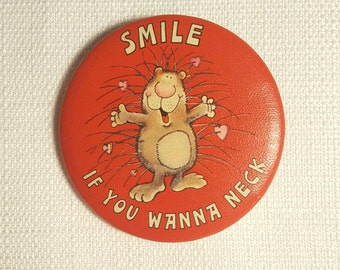 Vintage 80s Porcupine - Smile If You Wanna Neck Pin / Button