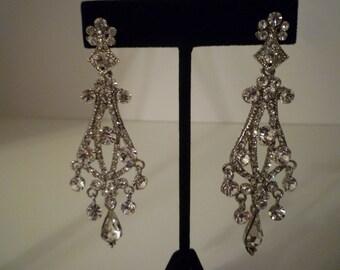 EARRINGS.Vintage CHANDELIER RHINESTONE Earrings. Dangling, Sparlklng Rhinestone Earrings From The 1980's. Wedding, Bridal Exquisite Earrings