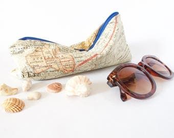 VINTAGE WORLD MAP Pouch.World Map Bag.Australia Map. North America Map.Gift for Traveller.Travel Bug Gift.Gift for Best Friend. Travel Love.