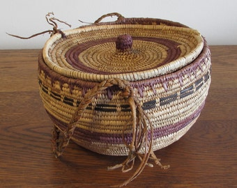 Alaskan Yup'ik Eskimo Native Basket, Aboriginal Indigenous Hand Woven Basket, Hand Woven Berry Basket, Food Storage Basket, Native Decor