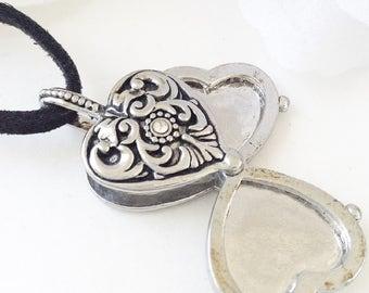 Silver Heart, Silver Locket, Vintage Jewelry, Vintage Silver Locket , Silver Heart Pendant, Statement Piece, Silver Heart Necklace,