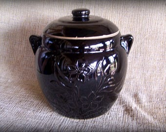 Dark brown glaze Biscuit jar Relief image Flowering plant Large kitchen canister with handles Ceramic dark brown cookie jar Ceramic canister
