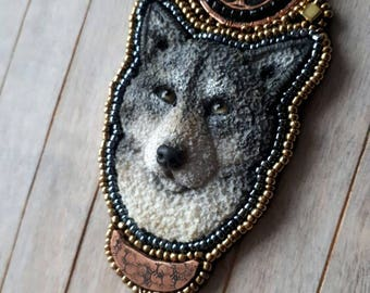 3D Wolf, Sculpted wolf pendant, Beaded necklace, Wolf jewelry, Wolf necklace