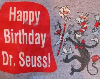 Dr. Seuss Shirt. Vintage T-shirt. Graphic Tee. Top. Retro Gray X-Large. Teacher Chic. Children's Hero. Word Genius. Casual Chic Streetwear.