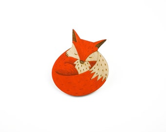 Wooden fox brooch, hand-painted brooch, sleepy fox brooch, fox accessory, wooden jewellery,