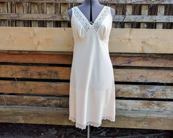 Vintage 1980s Beige St. Michael Full Lace and Polyester Slip New Never Worn Dead Stock