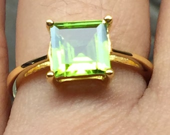 Natural 1.5ct Apple Green Peridot 14K Yellow Gold Vermeil Sterling Silver Solitaire Princess Cut Ring sz 8.25