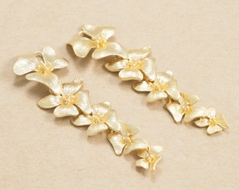Cascading Flower Pendant(one Loop on the top), Jewelry Supplies, Polished Gold Plated over Brass - 2 Pieces-[AP0128]-PG