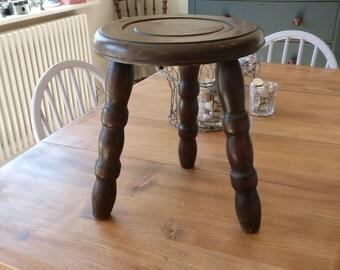Genuine vintage English elm milking stool (1245)