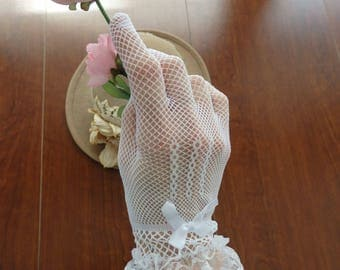 Gloves, White Gloves, Wedding Gloves, Bridal gloves, stretch gloves, Audrey Hepburn gloves, Victorian Gloves