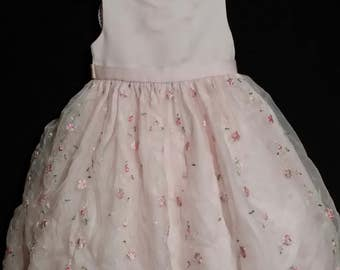 Little girl pink vintage Cindrella dress of quality,  adorned all over with green leafy pink brocade roses,  size 5T.