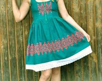 Vintage Austrian Octoberfest Folk Machine Embroidered Green Linen Dress Size EU 40