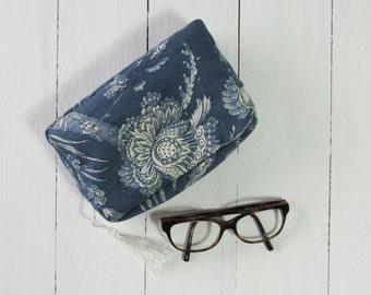 make up bag toile de jouy chinoise blue small bag with white tasssel mini pouch minizipper bag gift handmade