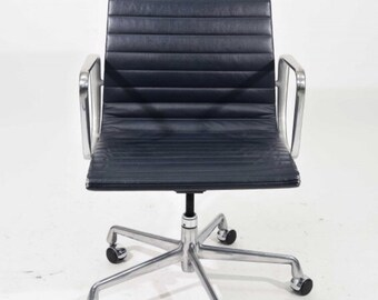 Herman Miller Eames Executive Chair