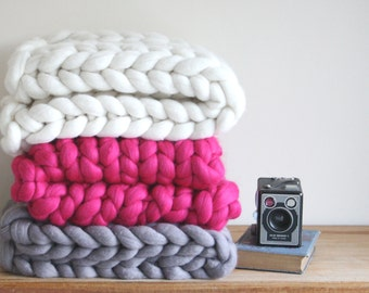 Chunky Knit Blanket Throw // Handmade // Gifts for Couples // Wedding Gift // Gifts for her // House warming gifts // Anniversary gifts