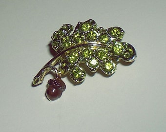 Ladies Vintage Gerry's Oak Leaf and Acorn Green Rhinestone Brooch