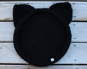 Cozy Crochet Cat Bed // Medium size // Black with ear accents