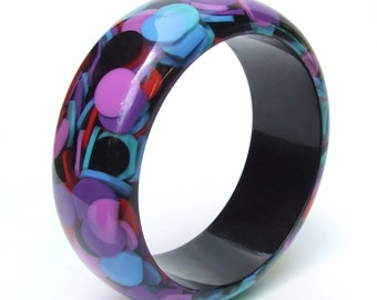 Vintage Funky Plastic Bangle with Coloured Circle Inclusions -1980's Emilio Pucci Style Clear Lucite Bangle, Multicoloured Hippie Chic