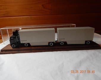 UPS Tandem Truck