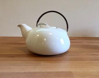 Gorgeous Vintage Heath Ceramics Large Teapot Wrapped Copper Handle | Opaque White | Mid Century Modern Edith Heath
