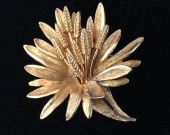 Coro Gold Tone Sheaf of Wheat Brooch/Pin
