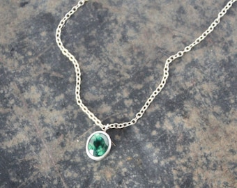 Faceted Green Apatite Necklace - Minimal Necklace, Apatite Pendant, Solitaire Necklace, Emerald Necklace, Green Apatite, Green Stone