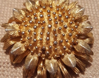 Goldtone Sunflower Pin Brooch signed CastleCliff