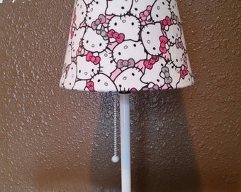 Hello Kitty Lamp, white, pink, lamp, shade.
