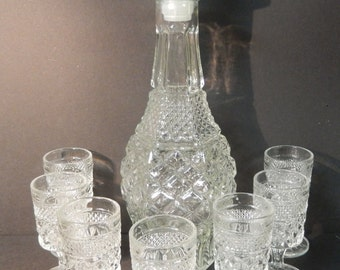 Anchor Hocking Wexford Decanter with 7 Small Goblets