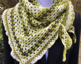 Spring-Leaves: easy-to-wear triangle shawl