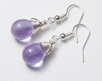 Lilac earrings with silver wire. Mauve earrings. Lavender earrings. Glass earrings.