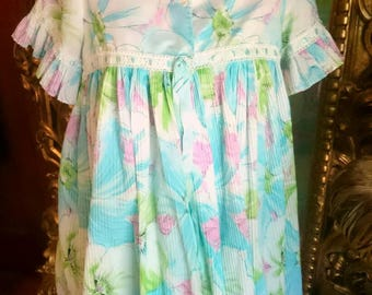 Vintage 1960's Saramal Babydoll Nighty and Robe!