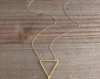 Lovely gold triangle & pineapple quartz charm necklace