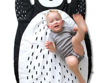 PENGUIN BLANKET & Play Mat / baby floor mat / Rug / Nursery Decor / Handprinted