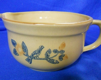 "Pfatzgraff ""America"" 2-1/2 quart batter bowl #464    Made in the USA"