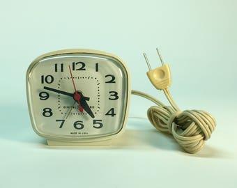 Vintage General Electric alarm clock- Model 7290 works great!