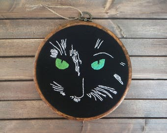 Black cat embroidery hoop, Hand embroidered hoop, Cat wall art, Cat home decor, Hand stitched hoop, Housewarming gift, Cat lover gift