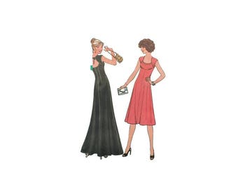 1970s Vintage Sewing Pattern - Simplicity7806 - Backless Maxi Dress