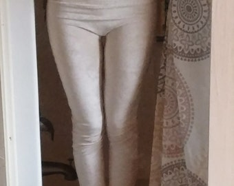Bamboo velour leggings waiting for your color