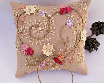 Rustic ring pillow, burlap ring pillow, Rustic ring cushion, Hand embroidered cushion, flower ring pillow, rustic wedding decor