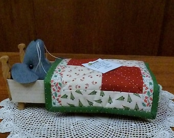 Christmas Mouse in a Matchbox, Mouse in a Matchbox, Handmade Decoration, Christmas Mouse, Handmade Quilt