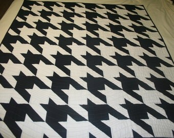 Alabama Houndstooth Quilt