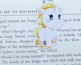 Unicorn - Magnetic bookmark || book lover gifts | rainbow | kawaii | bookish | bookmarks | page clips | magnetic bookmarks