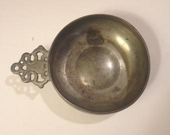 "Woodbury Pewter 5"" Porringer Bowl with Pierced Handle 1950's"