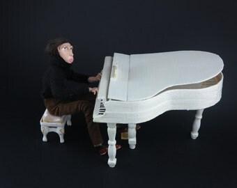 Art doll Pianist